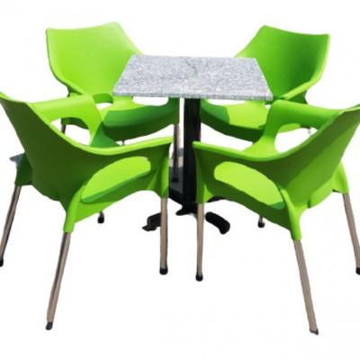 Bộ bàn ghế nhựa 4 chỗ 01