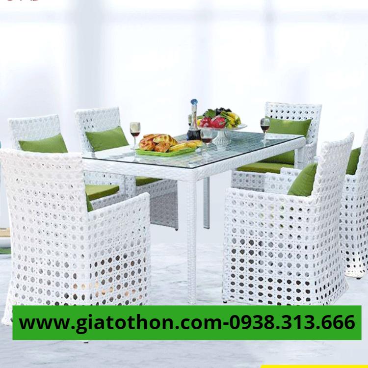 bàn ăn nhựa cao cấp