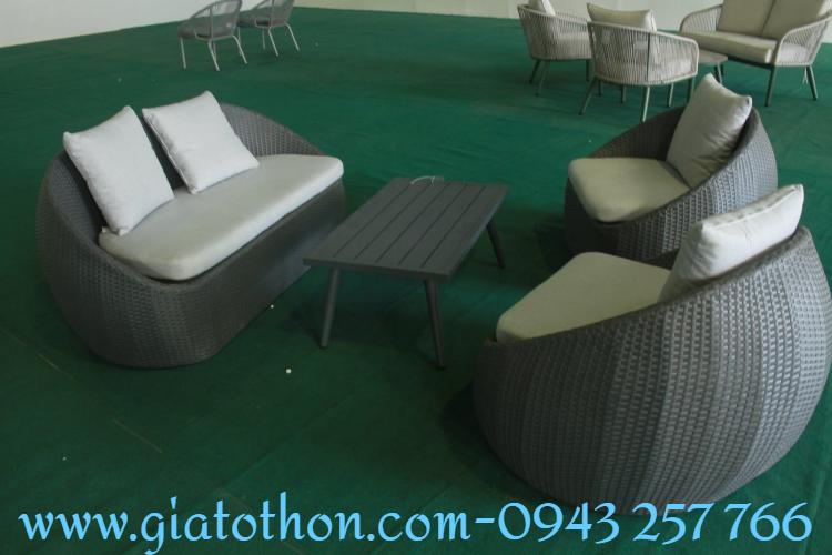 ban-ghe-sofa-nhua-may (1)
